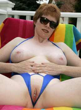 Busty mature women homebodies show..