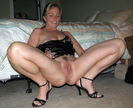 Stunning housewives exposing their..