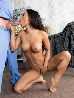 Old rocker fucks Asian milf in her wet..