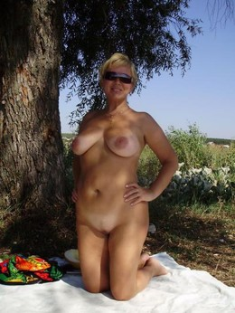 My little wife naked on a picnic